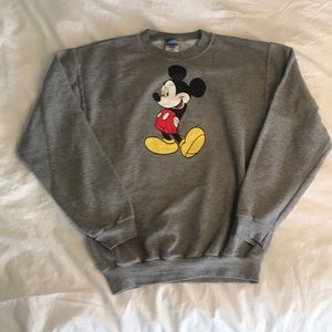 *VINTAGE* Mickey Mouse sweatshirt